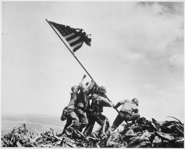 Joe Rosenthal Banderas de nuestros padres Iwo Jima Suribachi